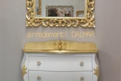 Bagno bombato 3 cassetti laccato bianco intagli f.oro top cristallo foglia oro