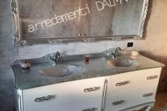 Bagno mod. Tiziano laccato bianco intagli foglia argento doppio lavabo top cristallo foglia argento